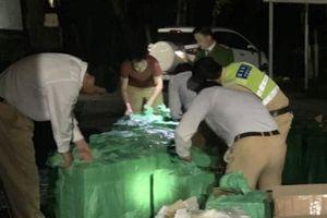 Huế: Dừng xe tải kiểm tra, CSGT phát hiện gần 20.000 bao thuốc lá nhập lậu