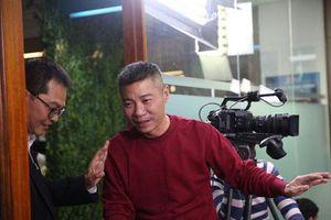 Làm đạo diễn phim hài Tết do 'sếp' Trung Hiếu đóng chính, Công Lý bộc bạch: 'Tôi quát, chửi bình thường'