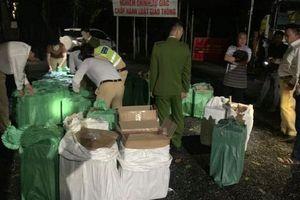 Phát hiện xe tải chở gần 20.000 bao thuốc lá nhập lậu