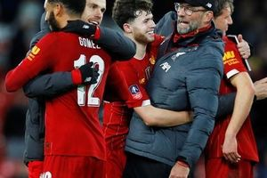 'Người nhện' rực sáng, Liverpool quật ngã Everton trận derby