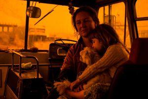 Cuộc sống như ngày tận thế của người dân Australia chạy trốn cháy rừng