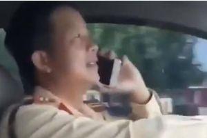 Thiếu tá CSGT lái xe nghe điện thoại công tác ở đội nào CA Hà Nội?