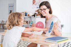 5 bước nuôi dưỡng trí tuệ cảm xúc ở trẻ