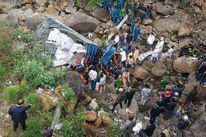 Xe tải lao xuống vực, 3 người tử vong tại chỗ