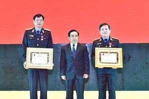 VKSND tối cao Việt Nam đón nhận Huân chương Tự do hạng Nhất của CHDCND Lào