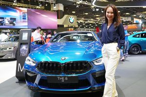 Thử ngồi BMW M8 - xe thể thao 2 cửa mạnh nhất của hãng xe Đức