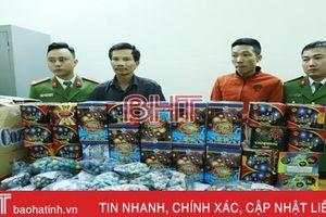 Công an TP Hà Tĩnh bắt 4 đối tượng, thu hơn 80kg pháo cùng nhiều vũ khí 'nóng'