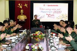 Thượng tướng Đỗ Căn thăm, chúc Tết Báo Quân đội nhân dân