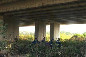 Phát hiện thi thể nữ không mặc quần bên dưới gầm cầu cao tốc ở Sài Gòn