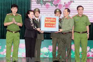Chủ tịch Quốc hội Nguyễn Thị Kim Ngân thăm và làm việc tại Đắk Lắk