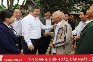 Chủ tịch UBND tỉnh Hà Tĩnh tặng quà, chúc tết người dân Hương Khê