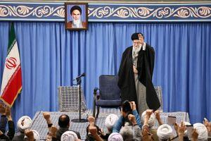 Lãnh tụ tối cao Iran chủ trì lễ cầu nguyện đầu tiên sau 8 năm