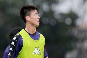 Duy Mạnh tự tập thêm trước trận đấu của CLB Hà Nội