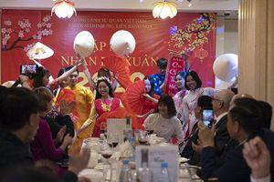 Cộng đồng người Việt tại TP Ekaterinburg (LB Nga) đón Tết cổ truyền