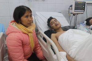 Vụ cháy 15 người thương vong: Cảnh sát nhường bình dưỡng khí cho nạn nhân