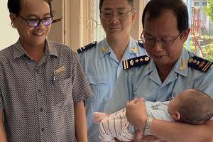 Hải quan sân bay quốc tế Tân Sơn Nhất mang Xuân ấm áp đến với trẻ mồ côi