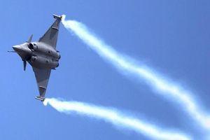Tiêm kích Rafale Pháp 2 lần đánh bại Su-30 Nga