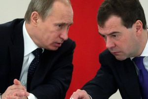 Cựu Thủ tướng Nga Medvedev giữ chức vụ mới, chỉ đứng sau ông Putin