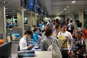 Vietnam Airlines lưu ý hành khách đến sân bay sớm và làm thủ tục trực tuyến trong dịp Tết Nguyên đán