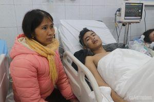 3 chiến sĩ PCCC ngất xỉu khi nhường mặt nạ dưỡng khí cho người dân trong đám cháy ở Thanh Hóa