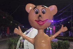 Linh vật chuột vàng môi đỏ chót: 'Đúng thiết kế phải là...'