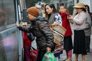 Ấm áp 'chuyến xe 0 đồng'' đưa hàng nghìn bệnh nhân ung thư về quê đón Tết cùng gia đình