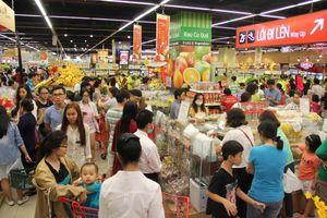 Chưa nghỉ tết, siêu thị đã đông nghẹt người