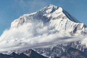 Lở tuyết ở Nepal, 7 người leo núi mất tích