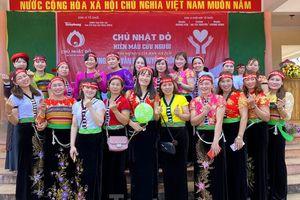 30 dân tộc anh em cổ vũ Chủ nhật Đỏ ở Krông Năng