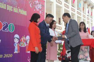 Hàng trăm giáo viên Hải Phòng được nhận quà dịp Tết Canh Tý 2020