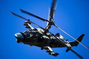 Trực thăng Nga 'trổ tài' ở vị trí cách mặt đất chỉ vài mét