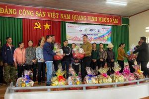 Báo Thanh tra phối hợp trao 170 suất quà Tết cho hộ cận nghèo xã Ea Tiêu