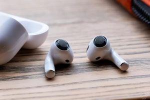 Apple vừa tự khiến tính năng chất nhất trên AirPods Pro tệ đi