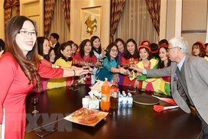 Đầm ấm buổi gặp mặt mừng Xuân Canh Tý của cộng đồng người Việt tại Trung Quốc