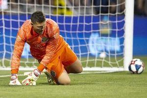 Tình huống sút penalty hiếm thấy ở giải hạng 3 Thổ Nhĩ Kỳ