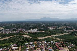 Indonesia: Lũ quét gây sập cầu khiến chín người thiệt mạng