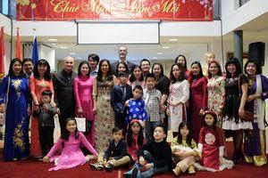 Cộng đồng người Việt tại Hà Lan vui đón Tết cổ truyền, mừng Xuân Canh Tý