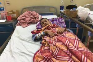 Không có tiền về quê, mẹ ôm con ung thư đón cái Tết lạnh lẽo nơi bệnh viện