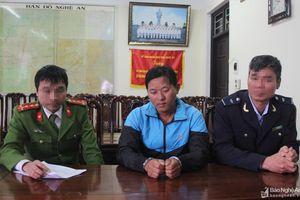 Bắt đối tượng mua bán, vận chuyển hàng trắng từ Lào về Nghệ An thu 5 bánh heroin