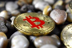 Bitcoin lao dốc, thị trường 'hoảng loạn'