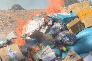 Tiêu hủy hơn 5.000 sản phẩm hàng hóa không rõ nguồn gốc