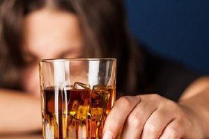Làm sao để tránh ngộ độc rượu, bia ngày tết?