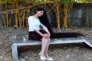 Cuộc sống của thiếu nữ xinh đẹp có mái tóc dài nhất thế giới