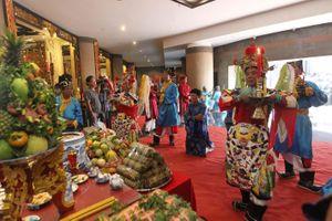 TP Hồ Chí Minh tổ chức dâng cúng bánh tét Quốc tổ Hùng Vương
