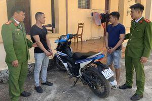 Quảng Bình: Bắt giữ 2 đối tượng cướp tài sản