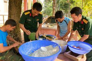 Bộ CHQS tỉnh tổ chức Hội thi nấu bánh chưng