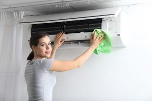 Cách vệ sinh đúng cách TV, tủ lạnh, thiết bị điện để đón Tết