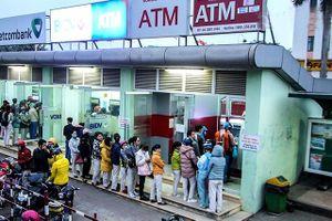 Cao điểm thanh toán, giao dịch ATM lại nghẽn