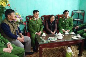 Bộ tư lệnh CSCĐ trao gần 4 tỉ đồng tới thân nhân 3 liệt sĩ hy sinh tại Đồng Tâm