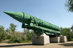 Từ R-7 đến Yars: Tại sao tên lửa hạt nhân ngày càng 'khôn ngoan' hơn?